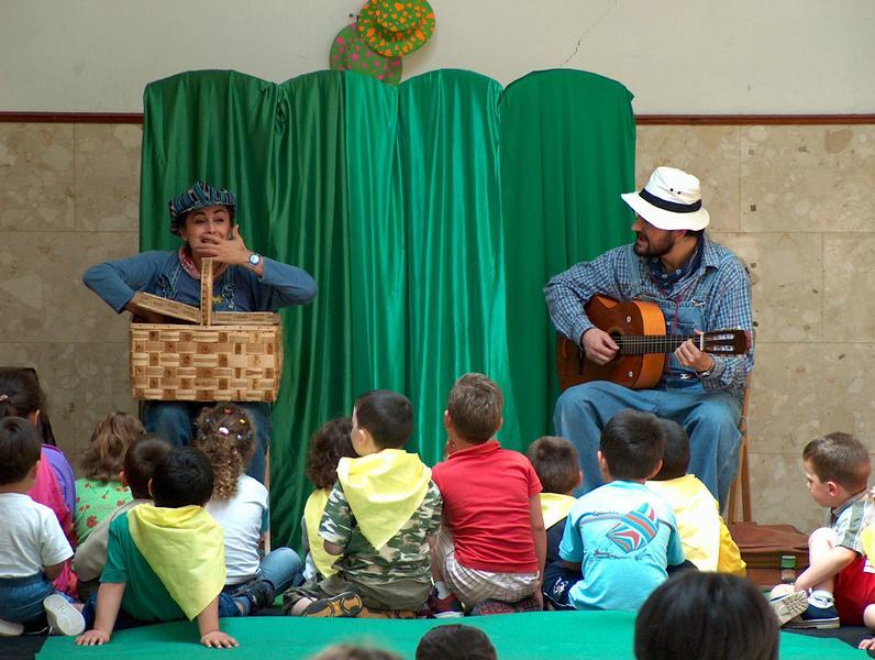 Escena do Cantacontos Migallas Teatro